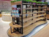 钢木面包店